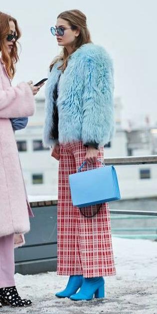 red-culottes-pants-print-blue-bag-blue-light-jacket-coat-fur-hairr-sun-blue-shoe-booties-fall-winter-lunch.jpg