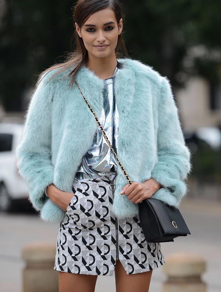 white-mini-skirt-blue-light-jacket-coat-fur-fall-winter-black-bag-brun-print-lunch.JPG