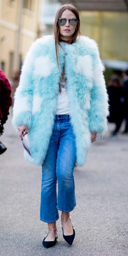 blue-med-crop-jeans-choker-black-shoe-flats-blue-light-jacket-coat-fur-hairr-sun-fall-winter-weekend.jpg