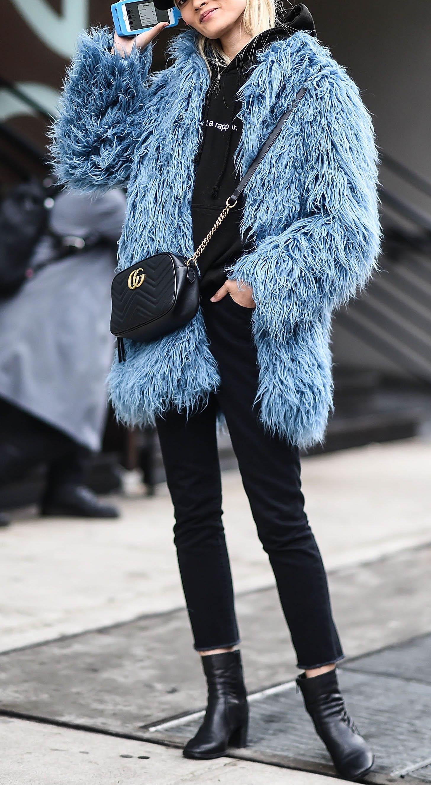black-skinny-jeans-black-sweater-sweatshirt-hoodie-black-bag-blue-light-jacket-coat-fur-black-shoe-booties-fall-winter-weekend.jpg