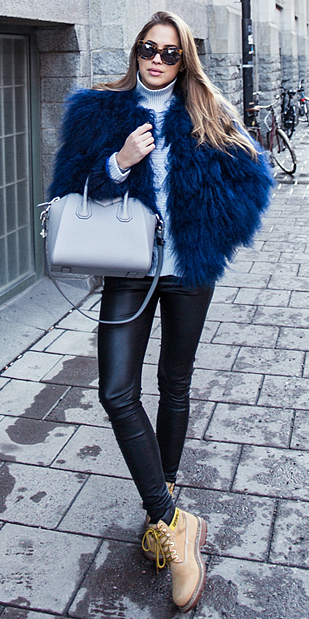 black-leggings-blue-light-sweater-turtleneck-gray-bag-tan-shoe-booties-timberland-blue-navy-jacket-coat-fur-blonde-sun-fall-winter-weekend.jpg