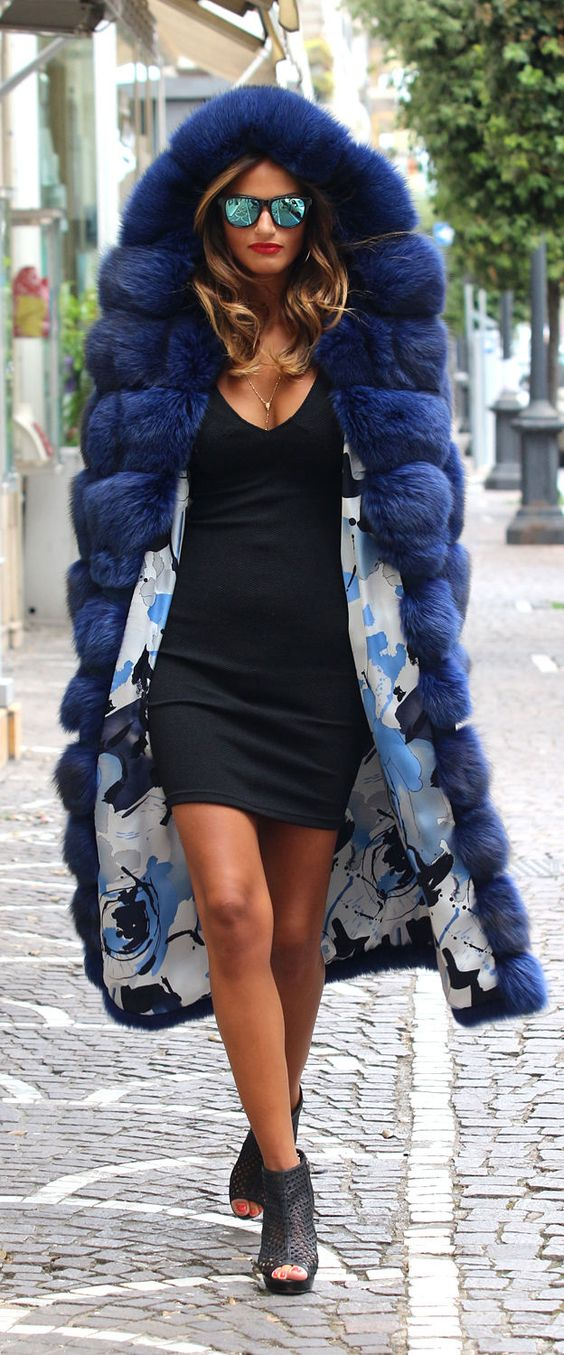black-dress-bodycon-blue-navy-jacket-coat-fur-hairr-sun-black-shoe-sandalh-fall-winter-lunch.jpg