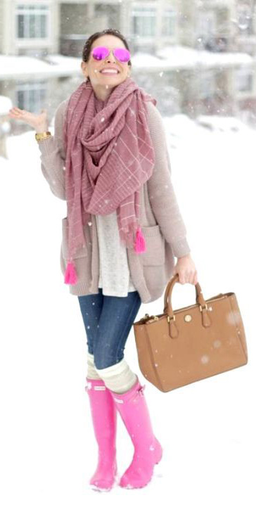 blue-med-skinny-jeans-pink-shoe-boots-rain-wellies-cognac-bag-tote-pink-light-scarf-tan-cardiganl-socks-layer-snow-sun-fall-winter-hairr-lunch.jpg