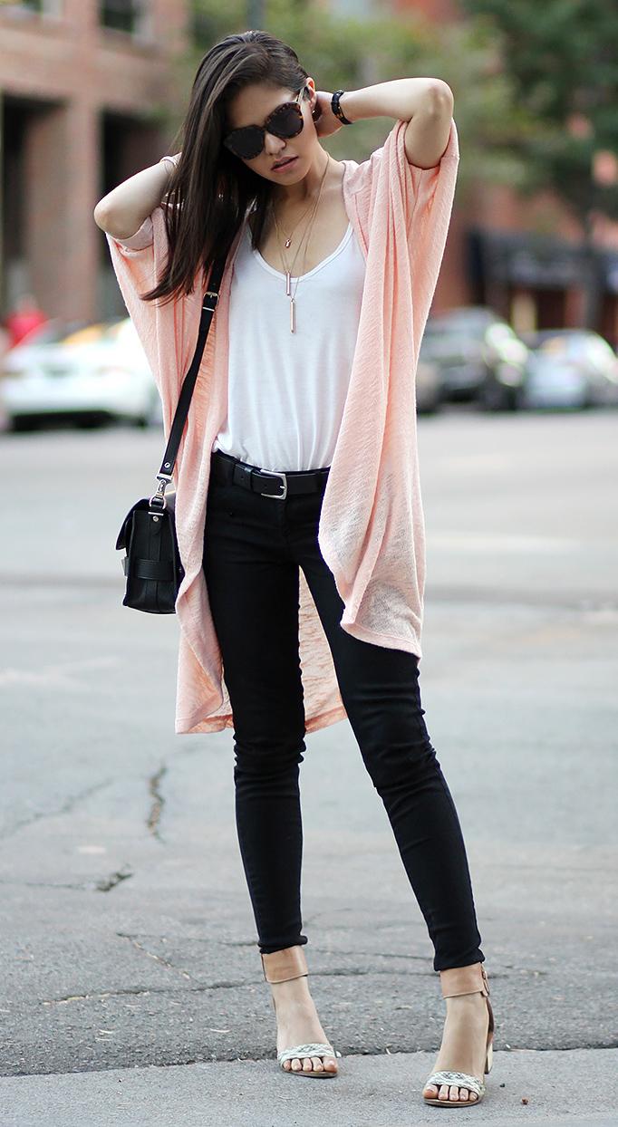 black-skinny-jeans-white-tee-peach-cardiganl-belt-black-bag-sun-tan-shoe-sandalh-howtowear-fashion-style-outfit-spring-summer-brun-lunch.jpg