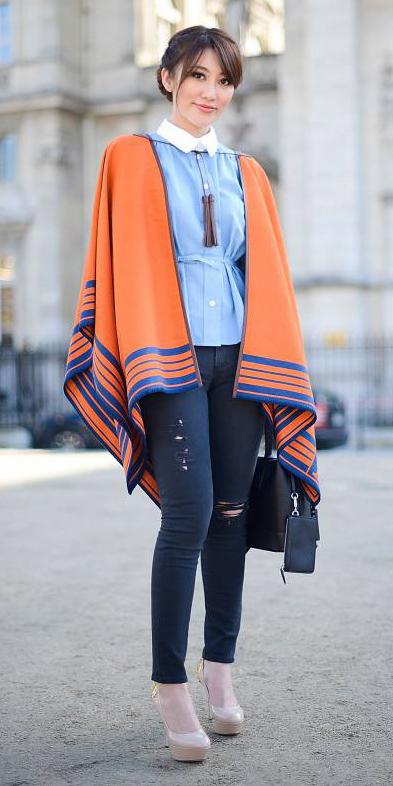 blue-navy-skinny-jeans-blue-light-top-brun-bun-tan-shoe-pumps-orange-cardiganl-poncho-fall-winter-lunch.jpg
