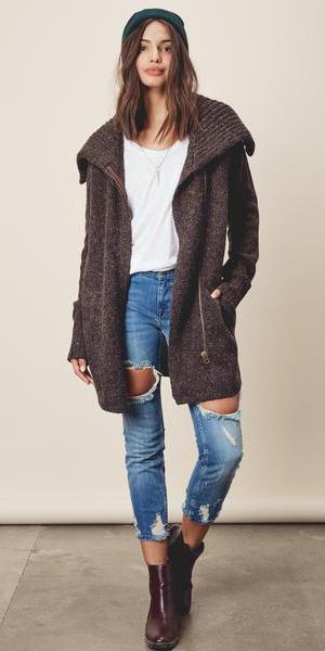 blue-med-skinny-jeans-brown-cardiganl-hairr-beanie-burgundy-shoe-booties-fall-winter-weekend.jpg
