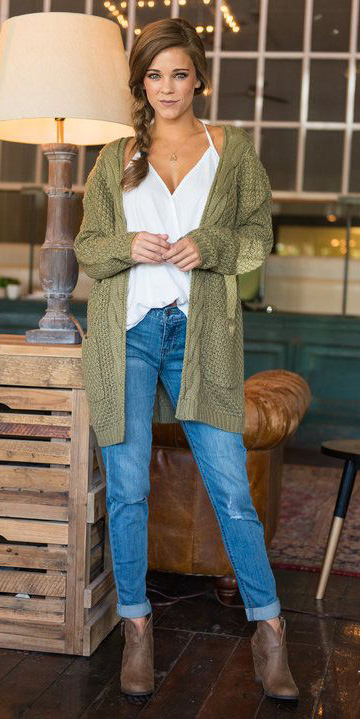 blue-med-boyfriend-jeans-white-cami-necklace-braid-green-olive-cardiganl-brown-shoe-booties-howtowear-fashion-style-outfit-hairr-spring-summer-weekend.jpg