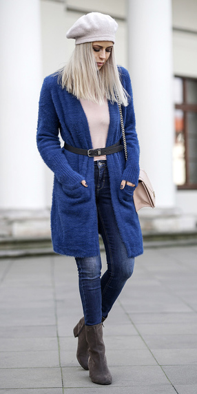 blue-navy-skinny-jeans-belt-beret-hat-blonde-blue-navy-cardiganl-cobalt-brown-shoe-booties-fall-winter-weekend.jpg