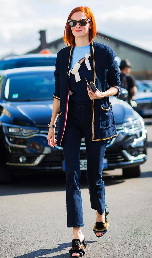 blue-navy-crop-jeans-blue-navy-cardiganl-hairr-sun-black-shoe-sandalh-fall-winter-lunch.jpg