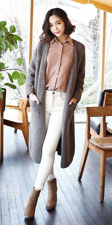 white-skinny-jeans-tan-collared-shirt-tan-shoe-booties-grayl-cardiganl-fall-winter-brun-work.jpg