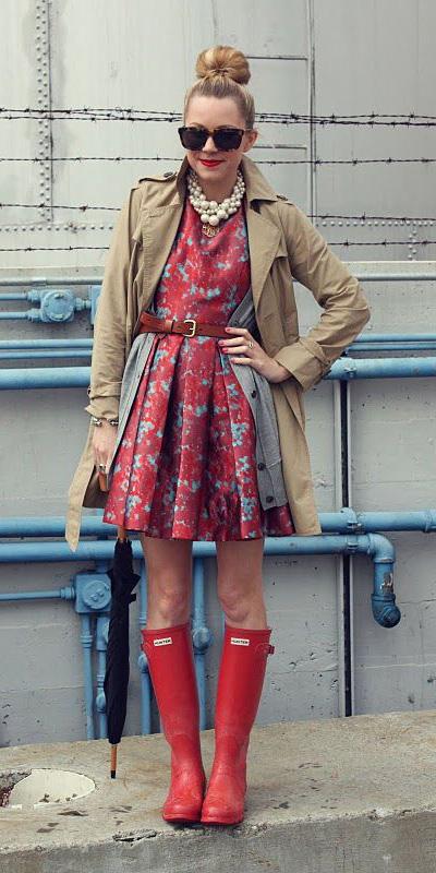 red-dress-mini-print-layer-belt-pearl-necklace-bun-sun-blonde-grayl-cardiganl-red-shoe-boots-rain-wellies-tan-jacket-coat-trench-spring-summer-lunch.jpg