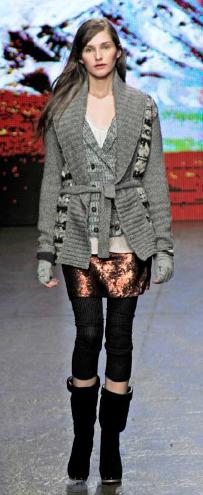 o-brown-mini-skirt-white-tee-grayl-cardiganl-black-tights-black-shoe-boots-metallic-fairisle-hairr-howtowear-fashion-style-outfit-fall-winter-lunch.jpg