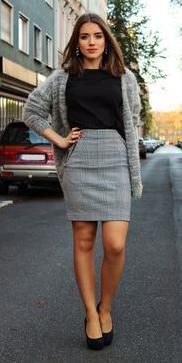 grayl-mini-skirt-black-tee-howtowear-fashion-style-outfit-fall-winter-grayl-cardiganl-black-shoe-pumps-earrings-basic-brun-work.jpg