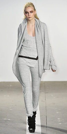 grayl-joggers-pants-grayl-tee-wear-style-fashion-spring-summer-blonde-grayl-cardiganl-match-mono-pony-weekend.jpg