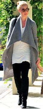 black-leggings-white-top-tunic-grayl-cardiganl-black-shoe-boots-sun-bun-black-bag-katheringheigl-fall-winter-blonde-lunch.jpg