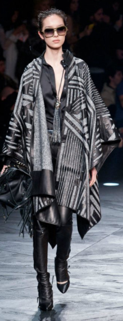 black-skinny-jeans-black-top-blouse-howtowear-style-fashion-fall-winter-grayl-cardiganl-cape-sun-bun-black-bag-black-shoe-pumps-necklace-pend-leather-runway-brun-lunch.jpg