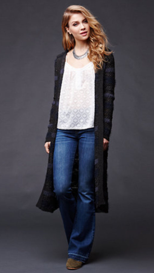 blue-med-flare-jeans-white-cami-black-cardiganl-necklace-tan-shoe-booties-blonde-howtowear-fashion-style-outfit-fall-winter-duster-lunch.jpg