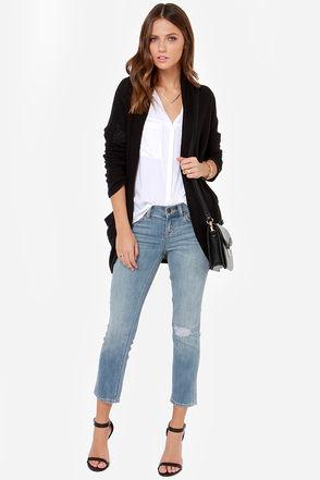 blue-light-crop-jeans-white-top-blouse-black-cardiganl-black-shoe-sandalh-black-bag-wear-fashion-style-spring-summer-hairr-lunch.jpg