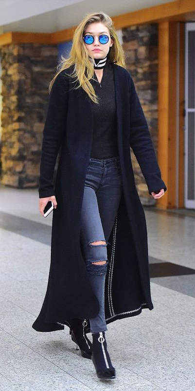 black-cardiganl-sun-black-shoe-booties-blonde-gigihadidstyle-fall-winter-lunch.jpg