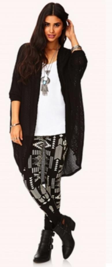 black-leggings-zprint-white-tee-wear-style-fashion-fall-winter-necklace-black-shoe-booties-black-cardiganl-brun-weekend.jpg