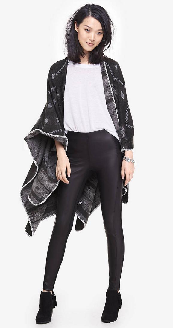 black-leggings-white-tee-black-cardiganl-cape-poncho-wear-style-fashion-fall-winter-black-shoe-booties-brun-lunch.jpg
