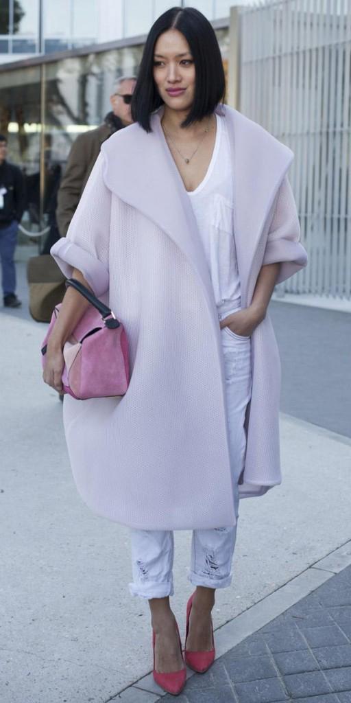 white-boyfriend-jeans-white-tee-magenta-shoe-pumps-pink-bag-brun-necklace-tiffanyhsu-pink-light-jacket-coat-wear-outfit-fall-winter-lunch.jpg