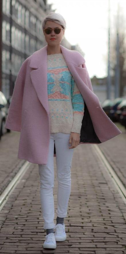 white-skinny-jeans-white-sweater-sun-socks-white-shoe-sneakers-pink-light-jacket-coat-fall-winter-blonde-weekend.jpg
