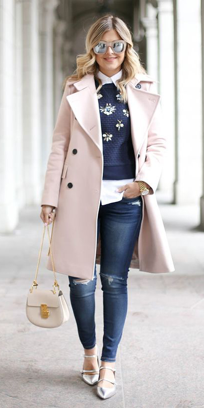 blue-navy-skinny-jeans-white-collared-shirt-pink-light-jacket-coat-white-bag-gray-shoe-flats-layer-blue-navy-sweater-blonde-sun-fall-winter-lunch.jpg