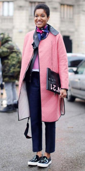 blue-navy-slim-pants-black-shoe-sneakers-blue-navy-scarf-neck-layer-pink-light-jacket-coat-fall-winter-brun-lunch.jpg