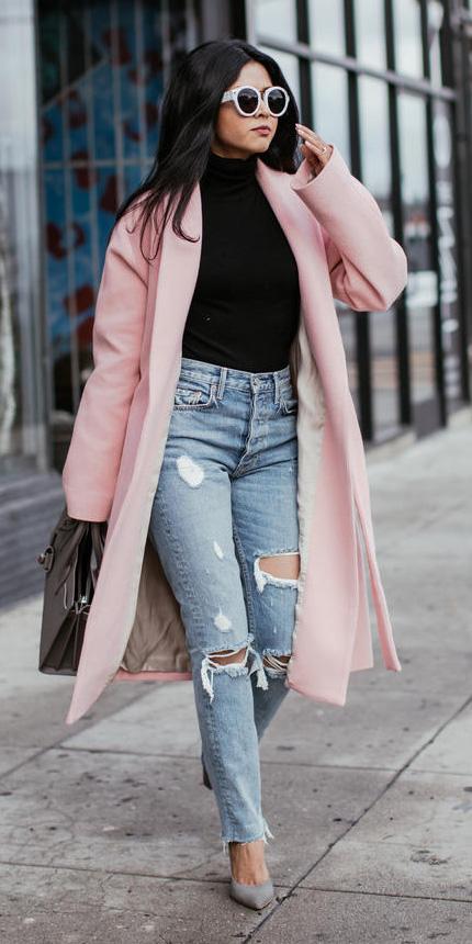 blue-light-skinny-jeans-sun-black-sweater-turtleneck-gray-shoe-pumps-pink-light-jacket-coat-fall-winter-brun-lunch.jpg