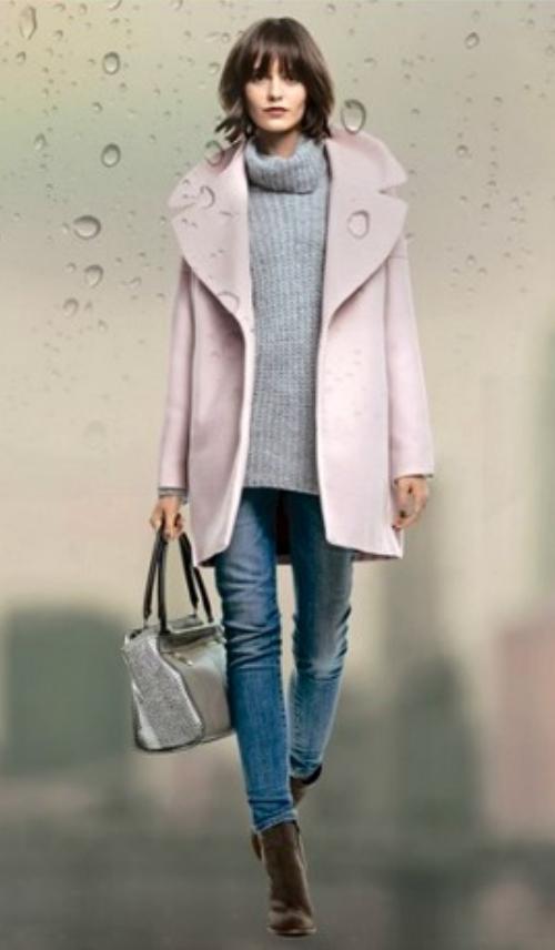 blue-med-skinny-jeans-grayl-sweater-pink-light-jacket-coat-howtowear-brown-shoe-booties-tan-bag-style-fashion-fall-winter-turtleneck-brun-lunch.jpg