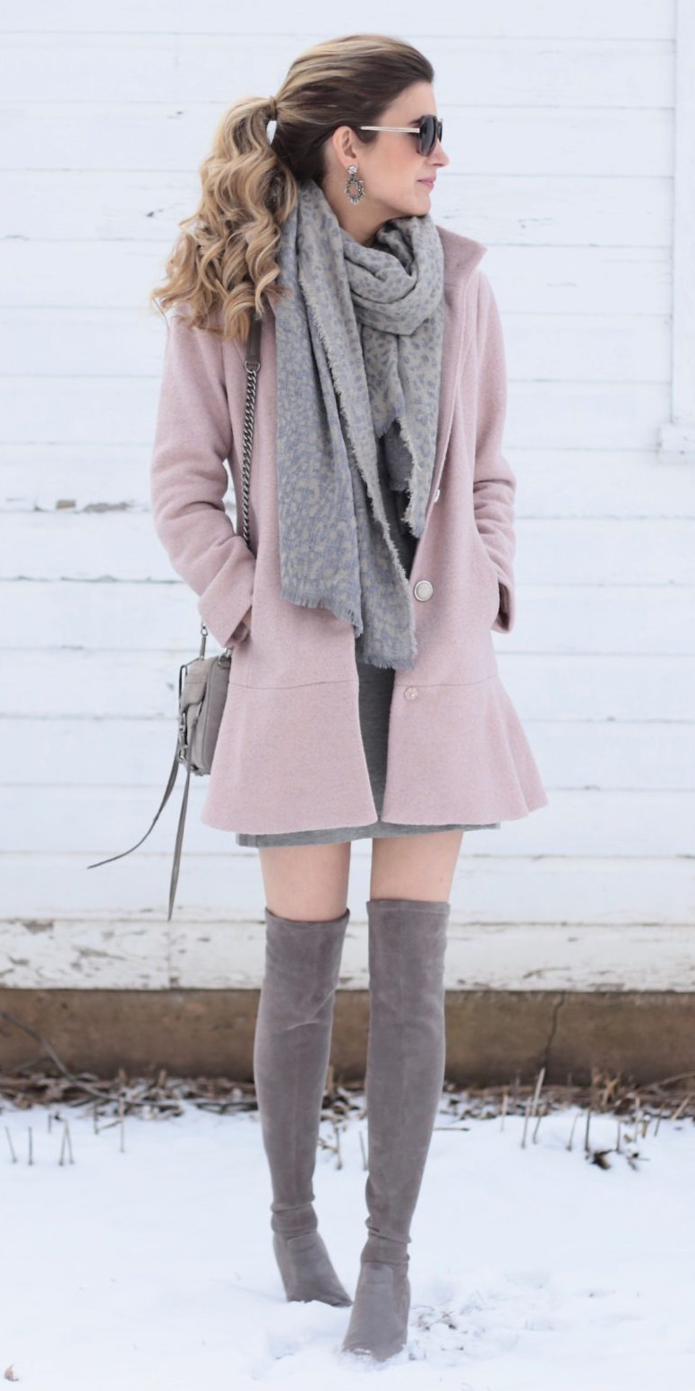pink-light-jacket-coat-grayl-scarf-pony-blonde-earrings-sun-gray-bag-gray-shoe-boots-otk-fall-winter-lunch.jpg