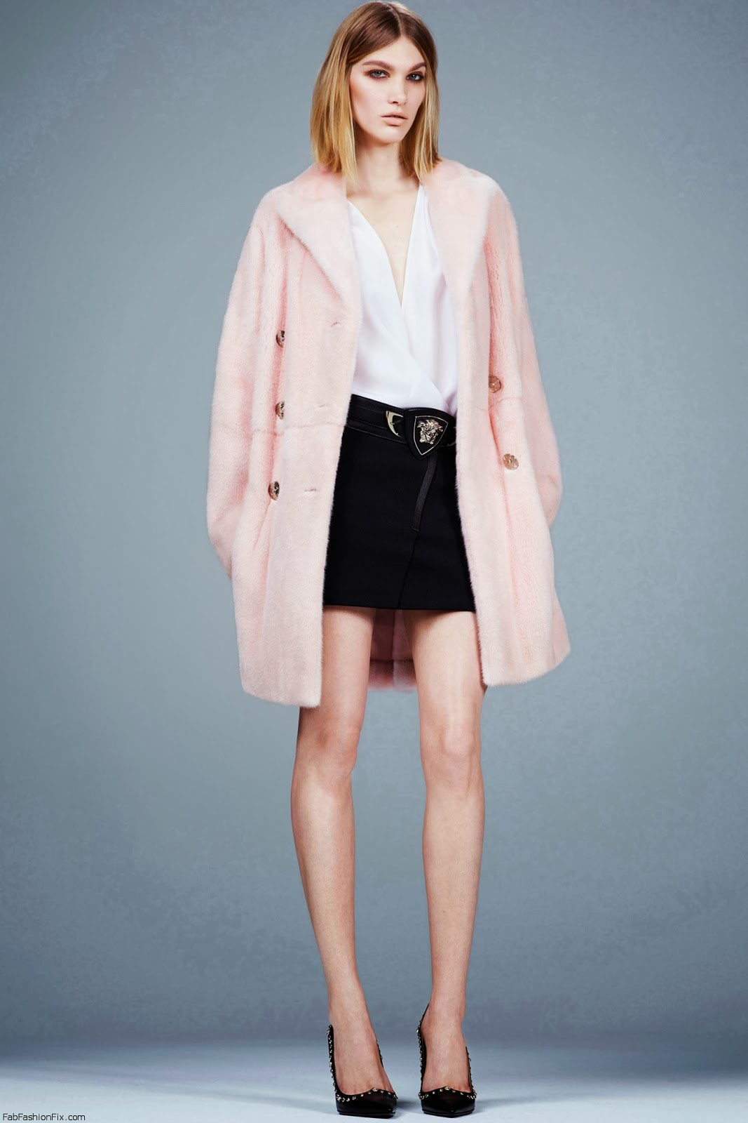 black-mini-skirt-white-top-blouse-pink-light-jacket-coat-howtowear-fashion-style-outfit-fall-winter-basic-black-shoe-pumps-versace-designer-blonde-dinner.jpg