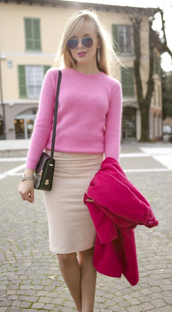 white-pencil-skirt-pink-light-sweater-pink-magenta-jacket-coat-black-bag-sun-howtowear-fashion-style-outfit-spring-summer-blonde-work.jpg