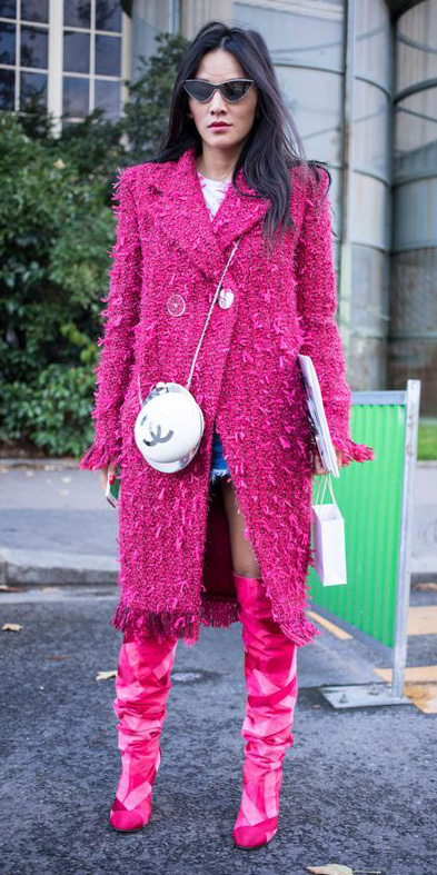 pink-magenta-jacket-coat-white-bag-magenta-shoe-boots-brun-sun-fall-winter-lunch.jpg