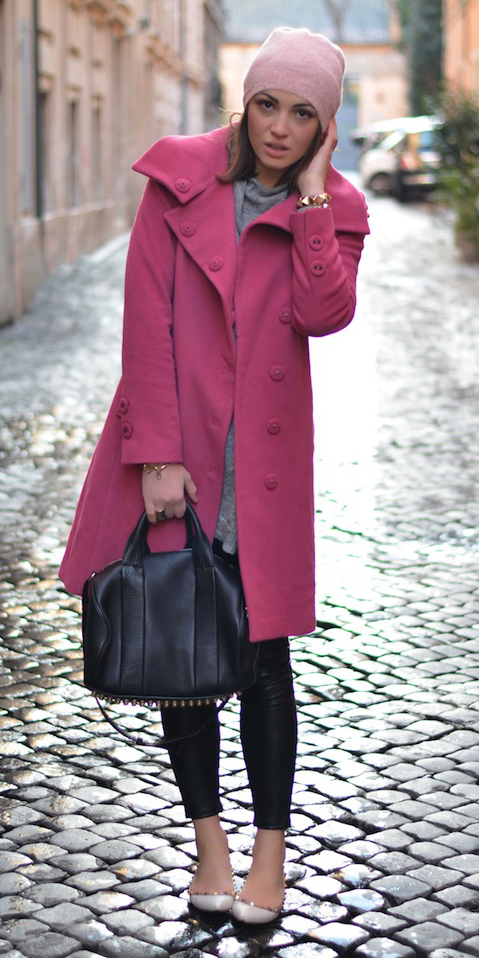 black-skinny-jeans-grayl-sweater-pink-magenta-jacket-coat-black-bag-beanie-italy-rome-white-shoe-flats-howtowear-fashion-style-outfit-fall-winter-weekend.jpg