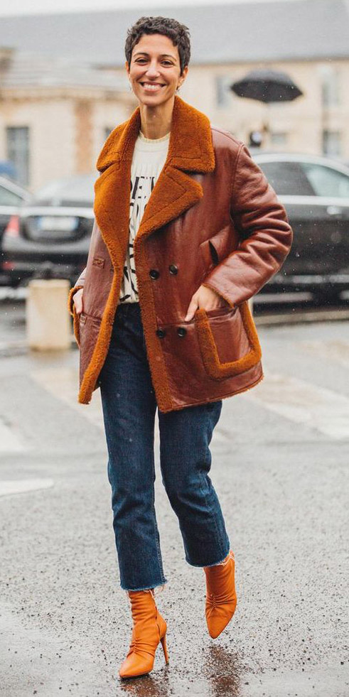 how-to-style-blue-med-crop-jeans-orange-shoe-booties-shearling-camel-jacket-coat-white-graphic-tee-hairr-fall-winter-fashion-weekend.jpg
