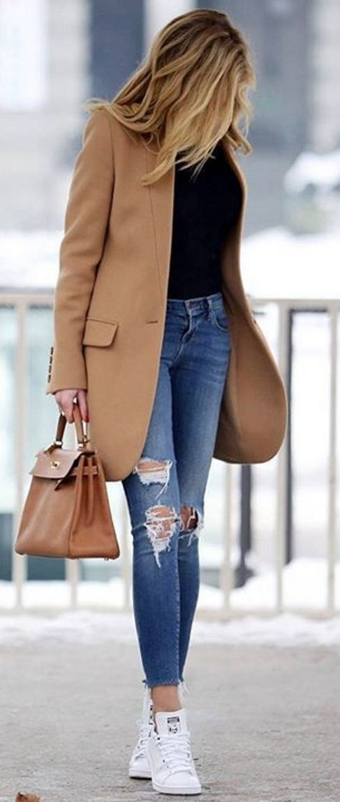 blue-med-skinny-jeans-black-tee-camel-jacket-coat-cognac-bag-white-shoe-sneakers-howtowear-fashion-style-outfit-fall-winter-hairr-weekend.jpg