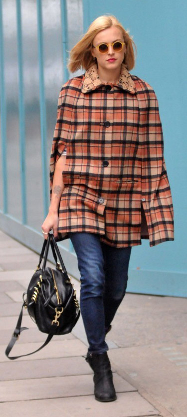 blue-navy-skinny-jeans-orange-jacket-coat-plaid-cape-black-shoe-booties-sun-black-bag-fearnecotton-wear-outfit-fashion-fall-winter-blonde-lunch.jpg