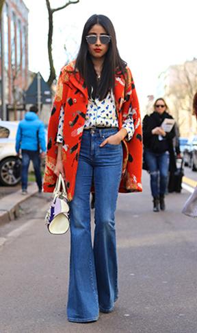 blue-med-flare-jeans-blue-navy-top-blouse-print-orange-jacket-coat-white-bag-sun-wear-fashion-style-fall-winter-brun-lunch.jpg