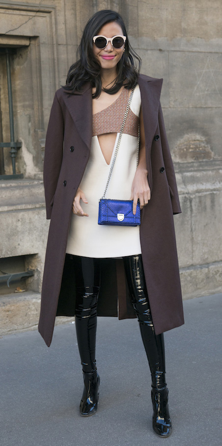 white-dress-mini-thighhigh-black-shoe-boots-otk-blue-bag-sun-brown-jacket-coat-fall-winter-brun-dinner.jpg