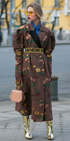 tan-shoe-boots-golde-peach-bag-pony-blonde-sun-floral-print-brown-jacket-coat-trench-fall-winter-lunch.jpg