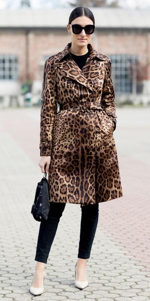 black-skinny-jeans-white-shoe-pumps-bun-sun-black-bag-leopard-print-brown-jacket-coat-fall-winter-brun-dinner.jpg