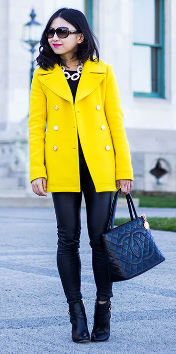 black-skinny-jeans-leather-chain-necklace-black-bag-black-shoe-bootie-sun-brun-yellow-jacket-coat-peacoat-fall-winter-lunch.jpg