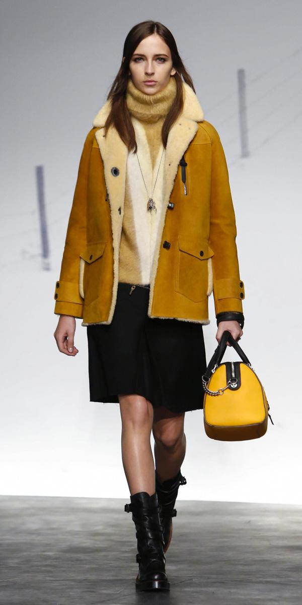 black-mini-skirt-yellow-bag-tan-sweater-turtleneck-black-shoe-booties-shearling-yellow-jacket-coat-fall-winter-hairr-lunch.jpg