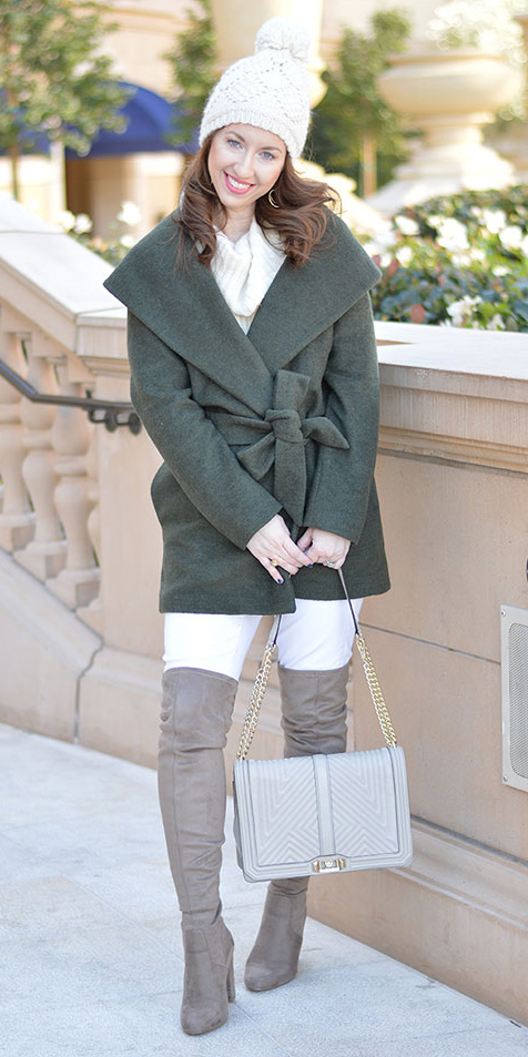 how-to-style-white-skinny-jeans-gray-bag-gray-shoe-boots-otk-green-olive-jacket-coat-wrap-white-sweater-hairr-beanie-fall-winter-fashion-weekend.jpg