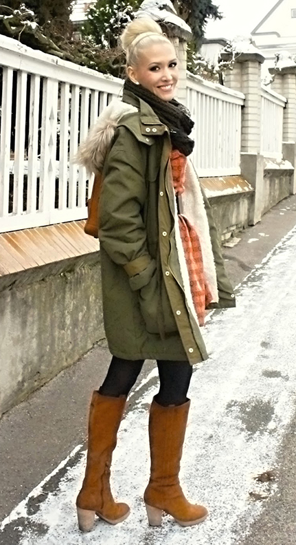 orange-dress-green-olive-jacket-coat-parka-black-scarf-black-tights-cognac-shoe-boots-wide-belt-bun-howtowear-fashion-style-outfit-fall-winter-lunch-snow-layer-blonde-lunch.JPG