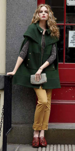 yellow-chino-pants-grayd-sweater-green-olive-jacket-coat-cape-blonde-brown-shoe-clogs-fall-winter-wear-fashion-style-lunch.jpg