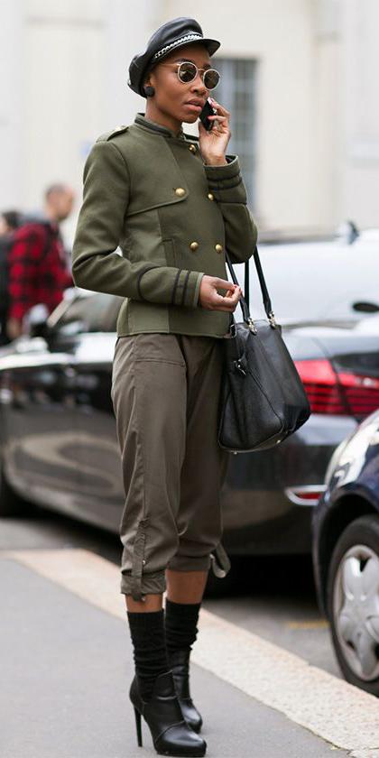 green-olive-joggers-pants-hat-sun-studs-black-shoe-booties-black-bag-brun-green-olive-jacket-coat-peacoat-fall-winter-lunch.jpg