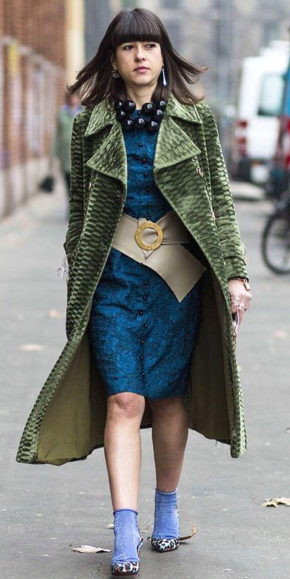 blue-med-dress-shift-hairr-necklace-wide-belt-socks-pumps-green-olive-jacket-coat-trench-fall-winter-lunch.jpg